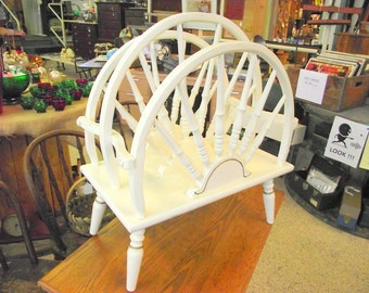 Wagon Wheel Magazine Rack Record Holder Carrier - Wood
