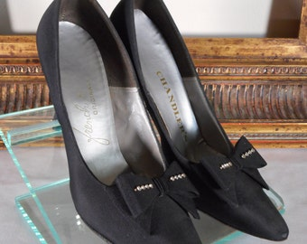 Vintage 1960's Chandler's Black Fabric Evening Pumps with Bows - Size 6 1/2 B