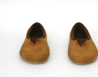 Felted slippers for men Natural brown Chocolate brown Caramel brown Gift for man Women Unisex Traditional felt Gift for him Brown slippers