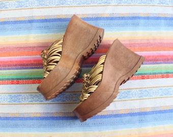 8 1/2 M / 90's Platform Sandals / Women's Chunky Flarform Shoes