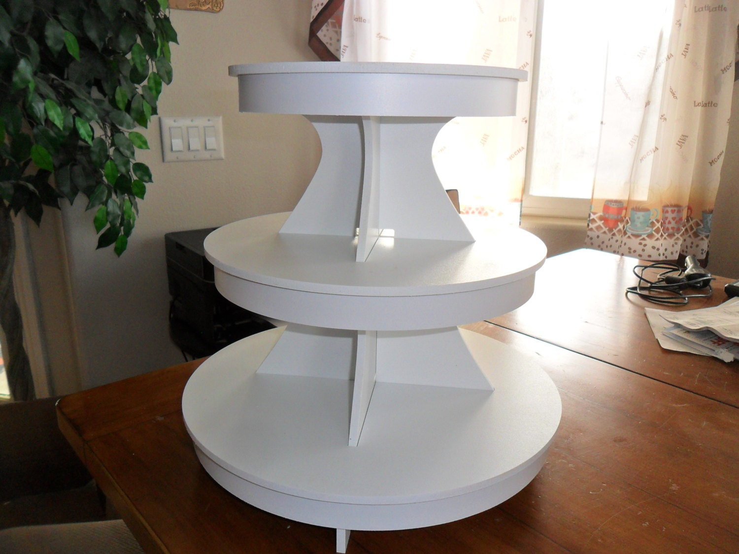 3 tier round cake stand cupcake stand white pvc plastic. Black Bedroom Furniture Sets. Home Design Ideas