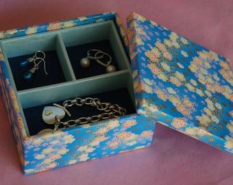 Multi-level Stacked Jewelry Box (Square)