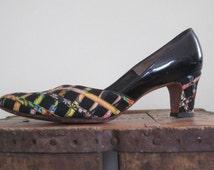 Ribbon Shoes / Julius Garfinckel / Grosgrain Ribbon / Mad Men Shoes / 60s Shoes / Womens Shoes 8.5 / Womens Heels / Black Patent / Floral