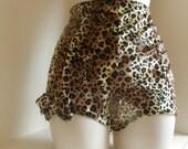 Vintage style high waisted leopard print shorts hot  pants velvet