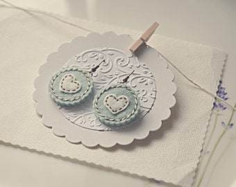 Felt round earrings in pastel colors