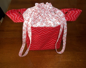 Lunch Bag With Drawstring Top in Red and White Chevron