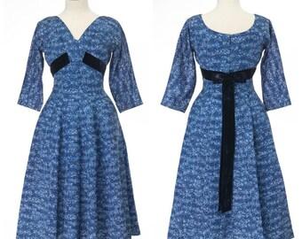 vintage 1950s dress // LESLIE FAY blue shelf bust full skirt dramatic back bow