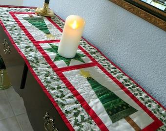 Reversible Christmas Tree Table Runner