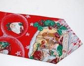 Vintage Christmas tie 70s Designer Wembley Men's silk Necktie Made in USA Mad Men Office , High Fashion   gift for him