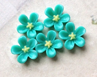 13 mm Lake Green Colour Water Melon Resin Flower Cabochons (.ss).