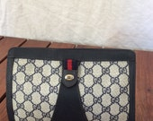 Vintage Gucci GG pattern clutch hand bag navy Canvas and leather Italy