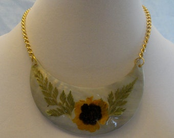 SALE!  Flower Shell Necklace