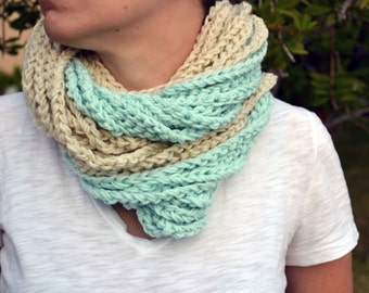 Mint and cream crochet cowl, womens scarf, crochet scarf, winter scarf, chunky cowl, loop infinity scarf, chain necklace, winter fashion