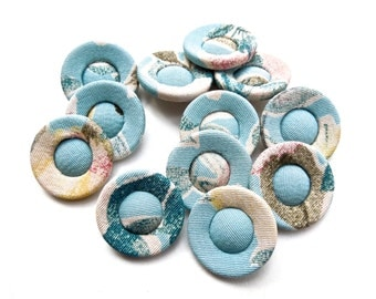 VINTAGE: 10 Pastel Fabric Buttons - Cloth Buttons - 20mm