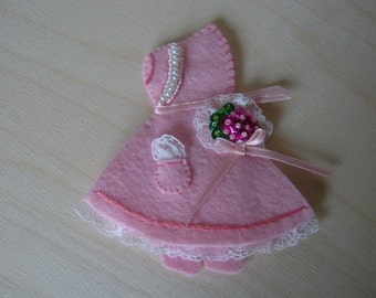 Sewing Needlebook-Sunbonnet Baby