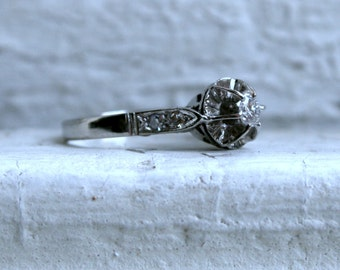 Antique Platinum Engagement Ring - 0.23ct.