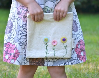 Reusable Sandwich Bag, Eco Snack Bags, Button Flowers Sandwich Bag, Your choice Nylon or Cotton Lined MADE TO ORDER