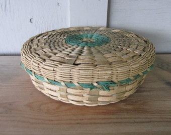 vintage lidded native woven Basket sewing basket button basket Rustic Primitive Country Cottage Shabby French Farmhouse Chic