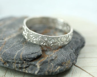 Sterling Band Ring Floral Pattern - Bright Silver