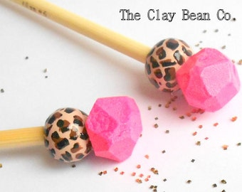 Pink Gem and Leopard Print Knitting Needles