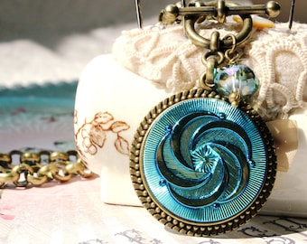 """Brilliant Turquoise Art Glass Necklace, Unique Jewelry Gifts, 1 1/2"""" LARGE, Shimmering Intense Turquoise color, Toggle Necklace  veryDonna"""