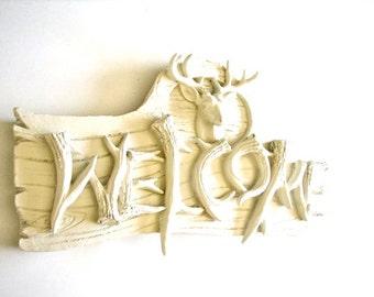 Deer WELCOME Sign in off-white/cream