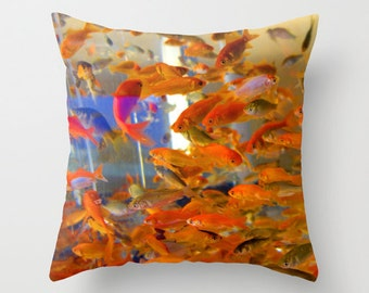 Goldfish, orange fish swimming in a tank  Photo throw Pillow Cover