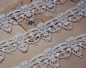 antique lace trim in white,exquisite bridal lace trim for jewelry making, costume design