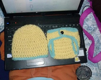 yellow/green hat/diaper cover set