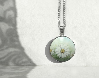 Marguerite Daisy Field, Daisies Charm, Art Painting Daisy Necklace 925 Sterling Silver, Hand Painted Necklace,  Artdora Shop