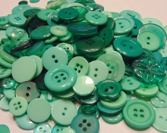 SALE 25 piece assorted mint button mix, 10-25 mm (41)