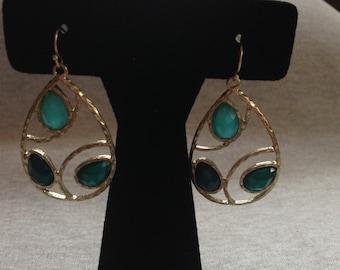 Vintage Costume Goldtone Teal Gem Inset Dangle Earrings