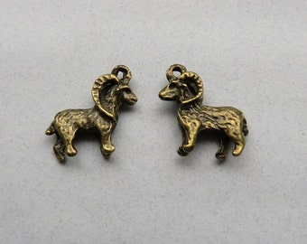 8 RAM Charms Very Detailed Big Horned SHEEP Bronze Tone Animal Jewelry Supply 3-D 18x18x3 mm