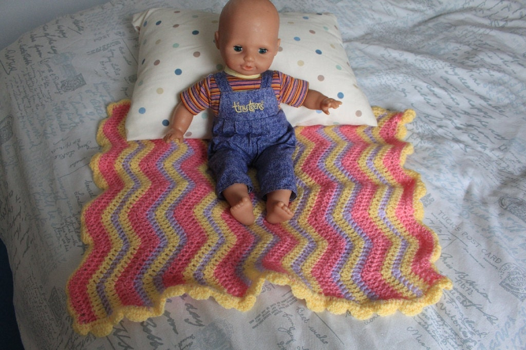 Crochet Pattern For Dolls Pram Blanket : Pram or Pushchair Blanket for Dolls Pram
