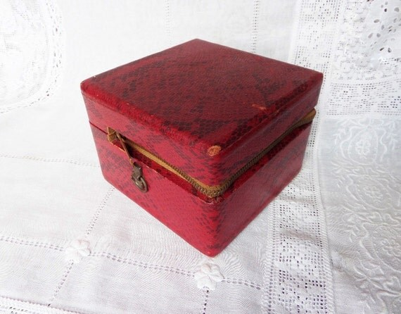 Vintage Red Snake Print Makeup Box Train Case Zippered Wooden Box
