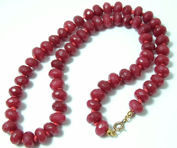 Vintage/ estate 1980s/ 90s 9ct / 9k gold and ruby bead necklace