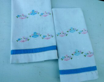 Sweet set of two vintage hand towels -- fairly heavy cotton -- hand embroidered baskets of flowers