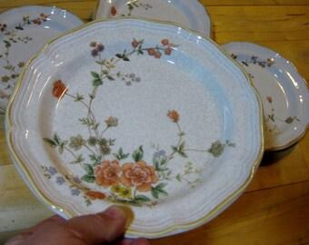 Mikasa Stoneware Silk Bouquet Discontinued Salad Great, Garden Club Plates, Set of 4, Great