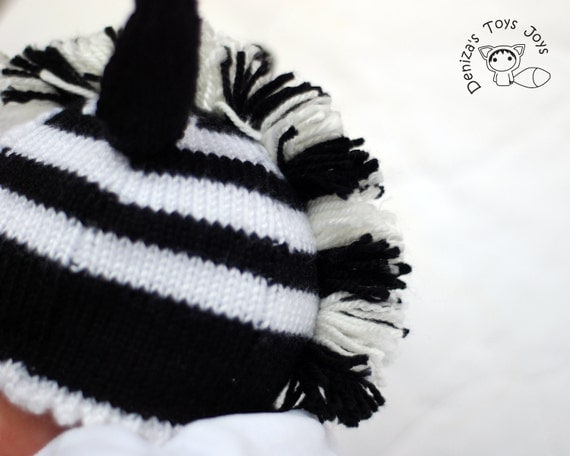 Knitting Pattern For Zebra Hat : New Born Baby Zebra Hat Knitting Pattern. Newborn Knit Pattern, Newborn Knitt...