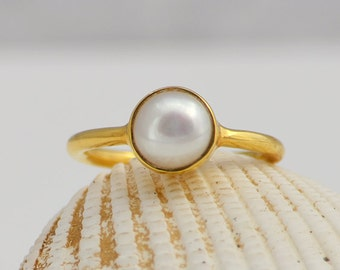 Natural Freshwater Pearl Ring, Stacking Ring, Bridesmaid rings, June Birthstone, Simple Pearl Ring - White Pearl Ring - Gold Pearl Ring