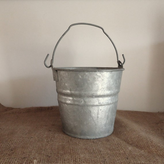 Vintage galvanized bucket farmhouse milk pail christmas for Christmas tin pails
