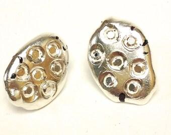 Medium Interrupted Droplet Earrings