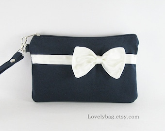 SUPER SALE - Navy with Little Ivory Bow Clutch - iPhone 5 Wallet, iPhone 5 Wristlet, iPhone Wristlet, Cell Phone Wristlet, Zipper Wristlet