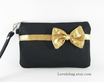 SUPER SALE - Black with Little Gold Bow Clutch - iPhone 5 Wallet, iPhone 5 Wristlet, iPhone Wristlet, Cell Phone Wristlet, Zipper Pouch