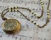Victorian Locket Downton Abbey Pearls Antique Bronze Photos Romantic Feminine Long Edwardian Fashion Jewelry Pendant Free Shipping
