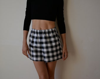 Womens black and white gingham checked culottes, shorts. Loose fit, high waisted, wide leg.