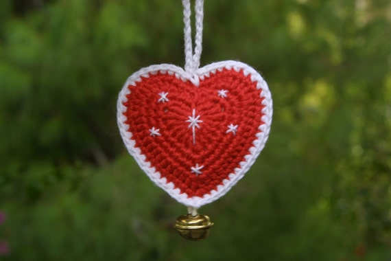 Crochet Pattern,  Christmas Heart Ornament, PDF, Instant Download, Red