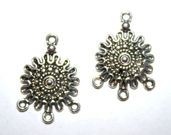 4 Tibetan Silver 1 to 3 Flower Link/Connectors CS-0001