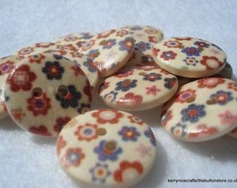 18mm Wood Buttons with Blue Red Flower Print Pack of 12 Floral Buttons W1813