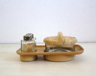 SALE 50 OFF Vintage Salt Pepper Shakers Sugar Bowl Wood Grain Plastic and Glass Homewares Kitchen Decor